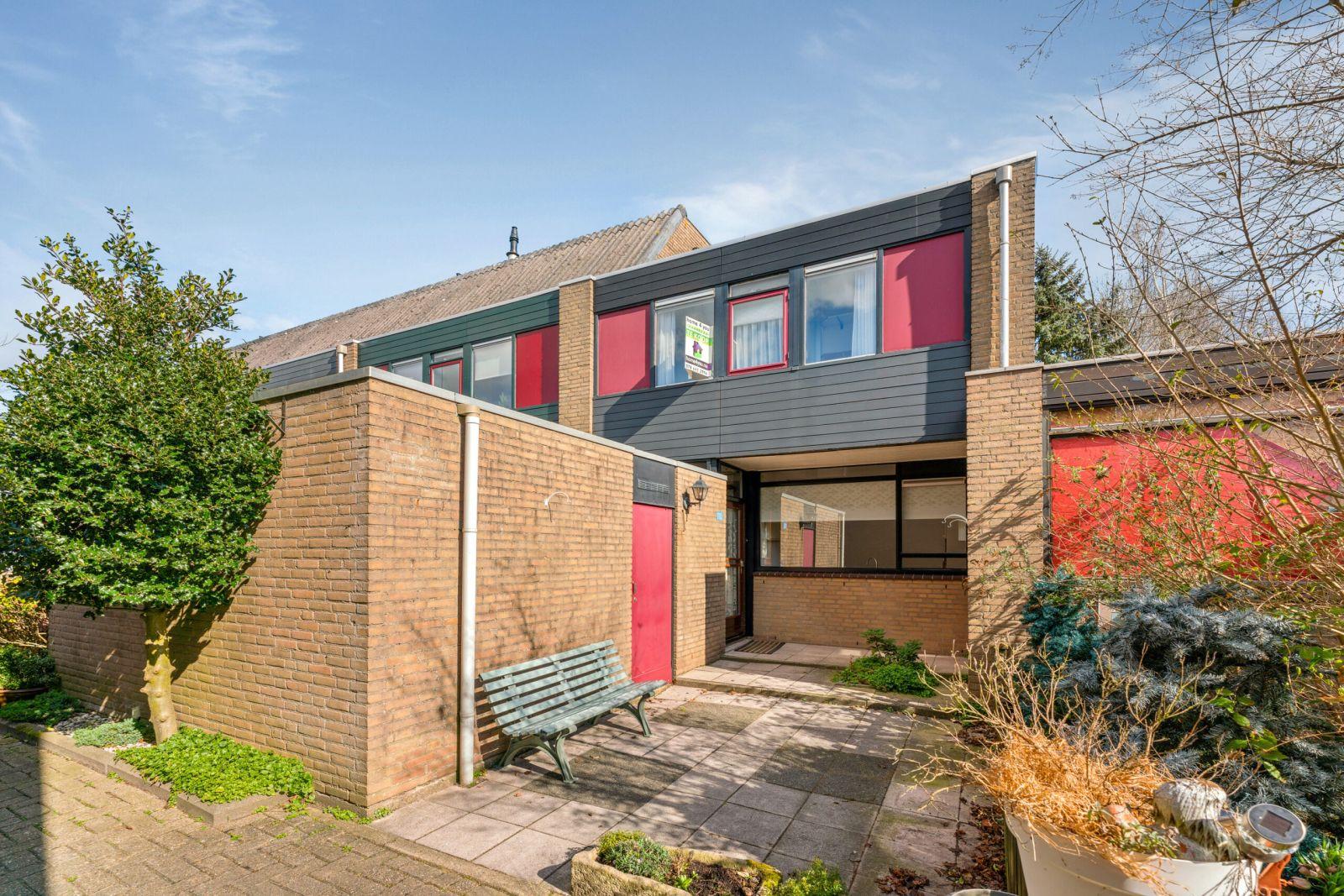 Te koop: Tussenwoning Vredenburg 110 , Dordrecht