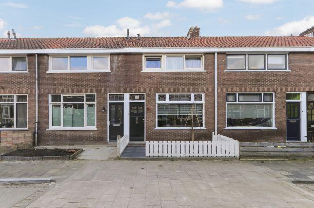 Te koop: Tussenwoning H.W. Mesdagstraat 13 , Dordrecht