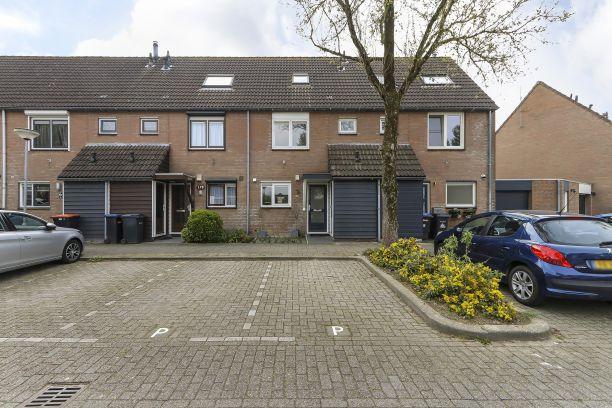 Te koop: Tussenwoning Simon Vestdijk-erf 178 , Dordrecht