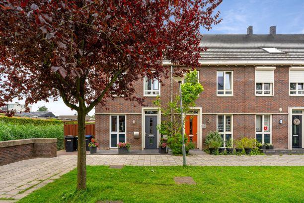 Te koop: Hoekwoning Joop den Uylstraat 20 , Dordrecht