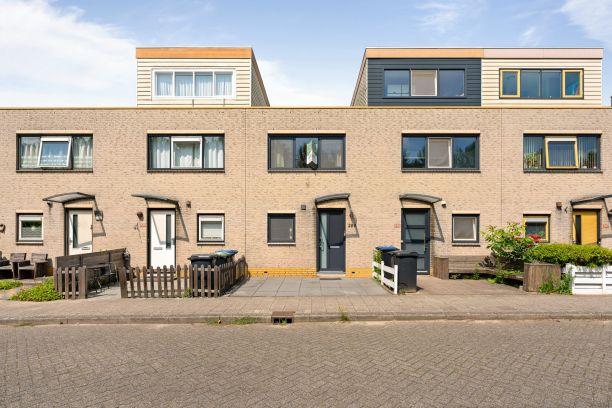Te koop: Tussenwoning Merbau 299 , Dordrecht